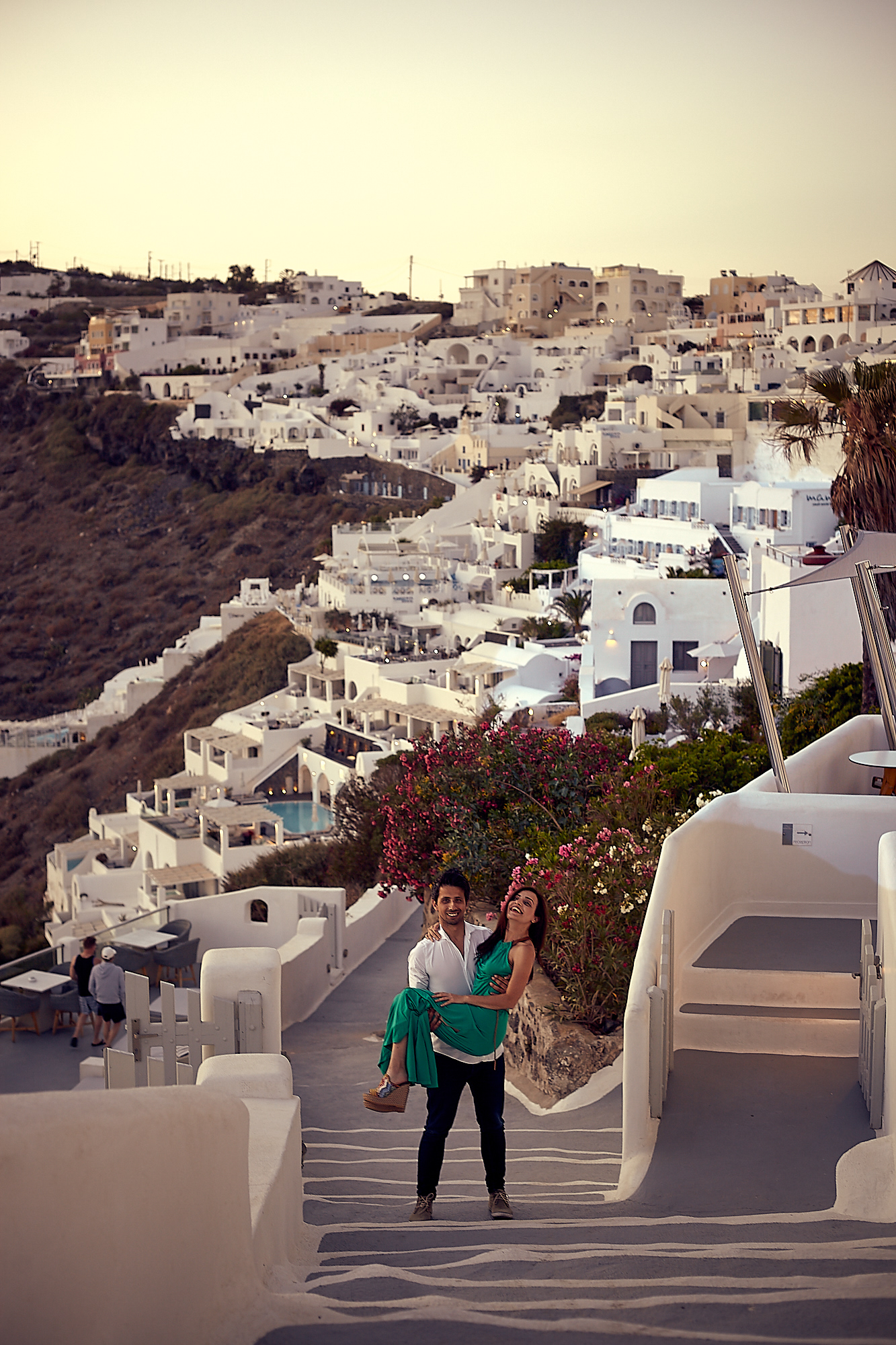 Pre Wedding Photo Shoot in Santorini Sunsetoot in Santorini Sunset